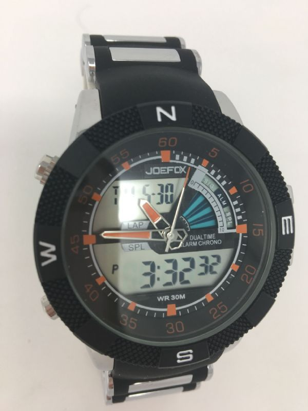 GENTS SPORTS WATCH WITH DAY AND DATE